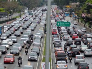 g n 13 2j9m 300x225 - Rodízio de veículos foi suspenso nesta terça-feira e só volta dia 11 de janeiro
