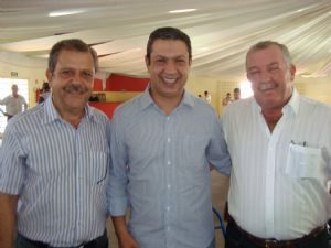 g n 18 5r3e 300x225 - Dia 22 de dezembro de 2011,deputado Ricardo Izar visitou Herculândia.