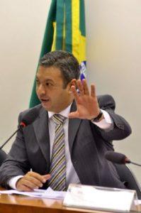 g n 190 8q6t 199x300 - O Globo: Conselho de Ética aprova abertura de processo contra André Vargas