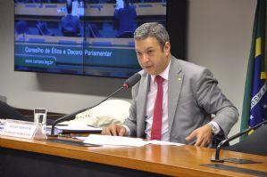 g n 230 8s6v - O Globo: Vargas pede que Conselho de Ética ouça o doleiro Youssef para sua defesa