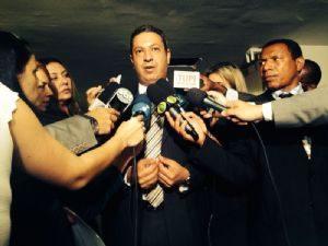 g n 294 4h2l 300x225 - Terra: Vargas abandona sessão e acusa relator de atropelar defesa