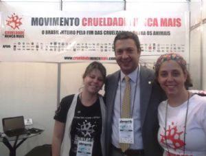 g n 46 3v1i 300x227 - Dep. Ricardo Izar Jr. e Frente Parlamentar em Defesa dos Animais na Pet Show 2012