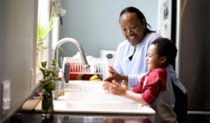 g n 499 2i0m 300x175 - Pesquisadores da Harvard dão 5 dicas para criar crianças éticas e bondosas
