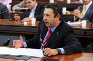 g n 52 3c1o 300x197 - PEC prioriza empenho de emendas parlamentares na lei orçamentária