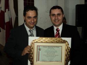 g n 59 2f9j 300x225 - DEPUTADO RICARDO IZAR RECEBE TITULO DE HONRA AO MÉRITO EM POTIM