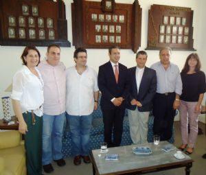 g n 94 8n6y 300x255 - Dep. Ricardo Izar participa de reunião no Lar Sírio
