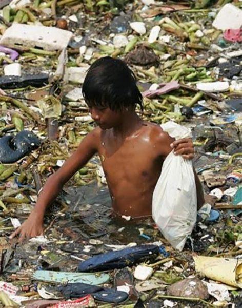 16 imagenes ensordecedoras que reflejan las consecuencias de la contaminacion del medioambiente 1477644298 472x600 - 10 Imagens chocantes que refletem as conseqüências da poluição constante do meio ambiente