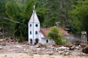 imagem materia 300x199 - Proximidade do verão aciona alerta para desastres naturais.