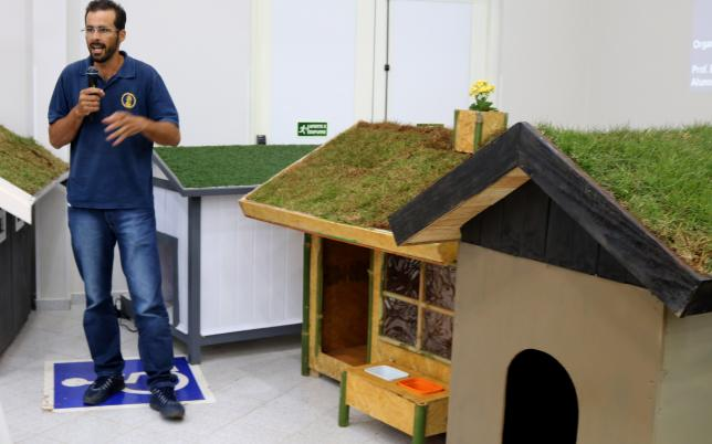 1 3 - Alunos de engenharia constroem incríveis casas sustentáveis para cachorros